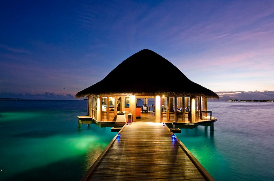 jetty-to-over-water-bure-dining.jpg