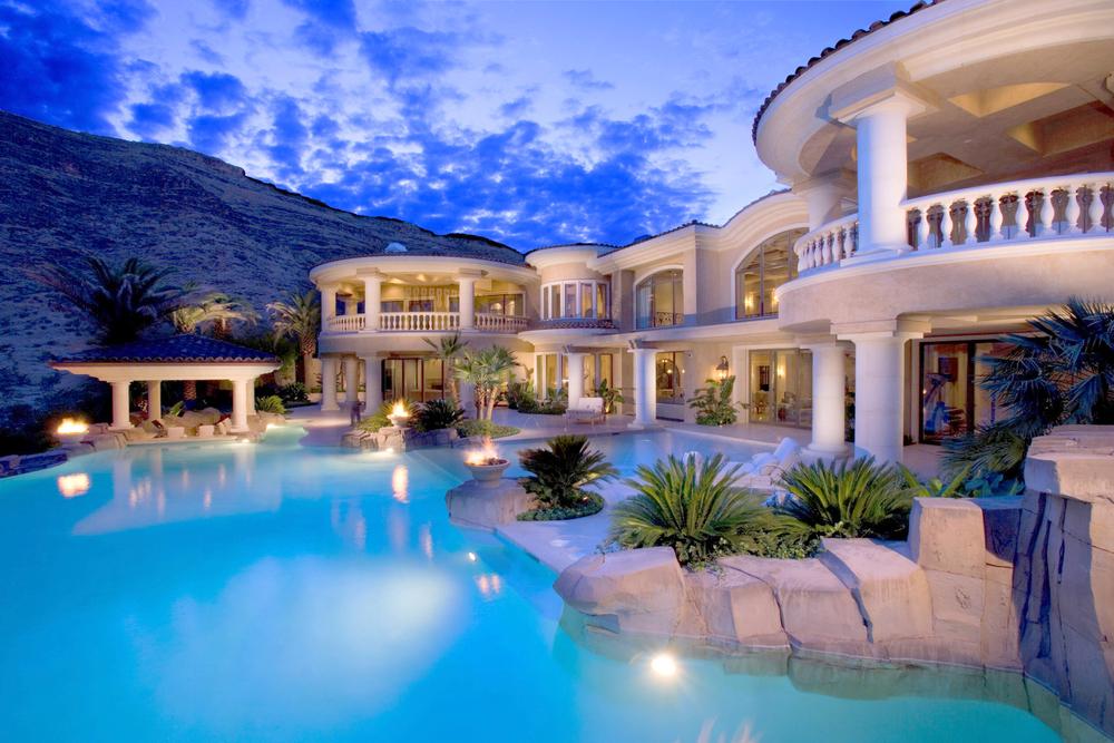 Luxury-Homes.jpg