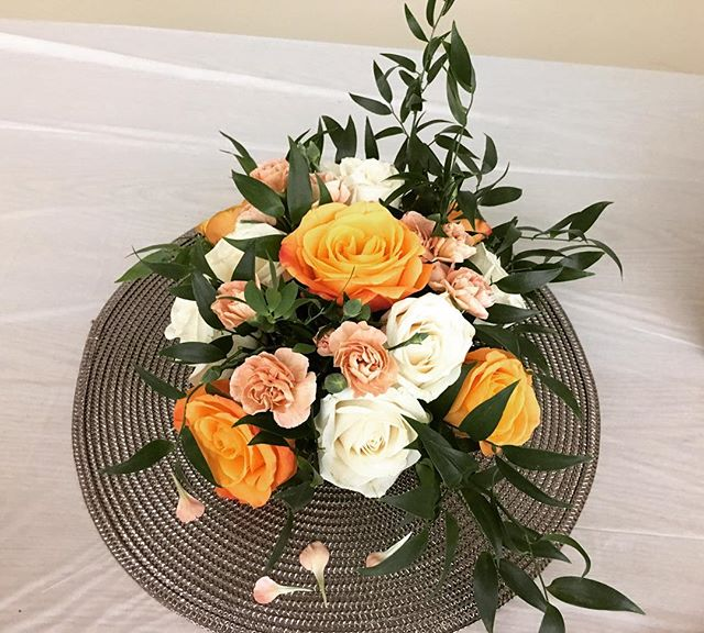 Loving these centerpieces from tonight... @belfioredesigns  #BelFioreDesigns #BelFioreDesignsFloral #BelFioreDeisgnsBrides #fallcenterpieces #happy50th #love #roses