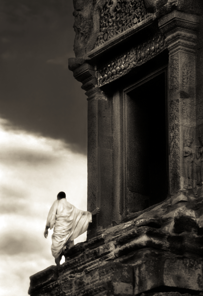 John-McDermott-Monk-in-the-Wind-Angkor-Wat.JPG