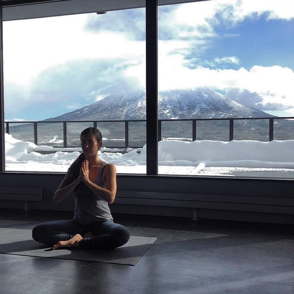 ©Powder Yoga