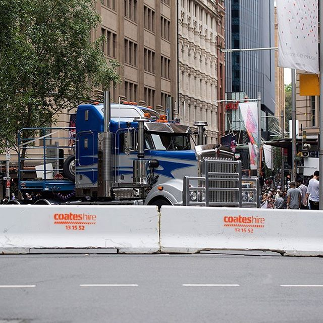 When you need your brand to stand out from the noise, you know who to ask 😁 Boxing Day shopper safety was a priority yesterday with bollards and semi-trailer trucks blocking the ends of Pitt St. @coateshire Good job 👍🏾 #brandidentity #brandnoise #standout# safety #boxingday #shopping #Sydney #logo #design