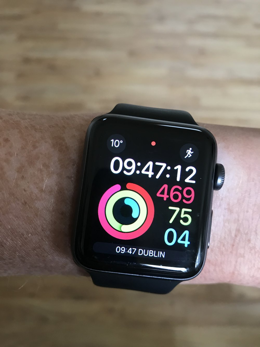 Move Calories, Exercise Minutes and Stand hours displayed on Apple Watch
