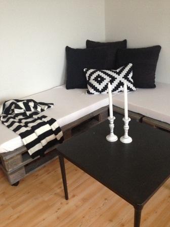 Sofa laga av pallar