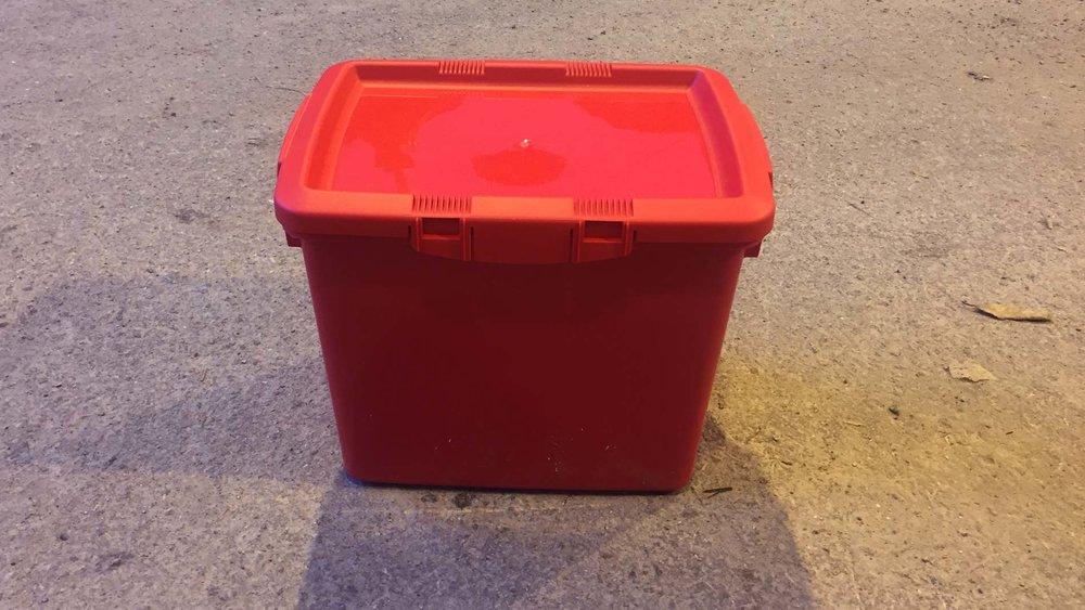 rød-bosk-farlig-avfall.jpg