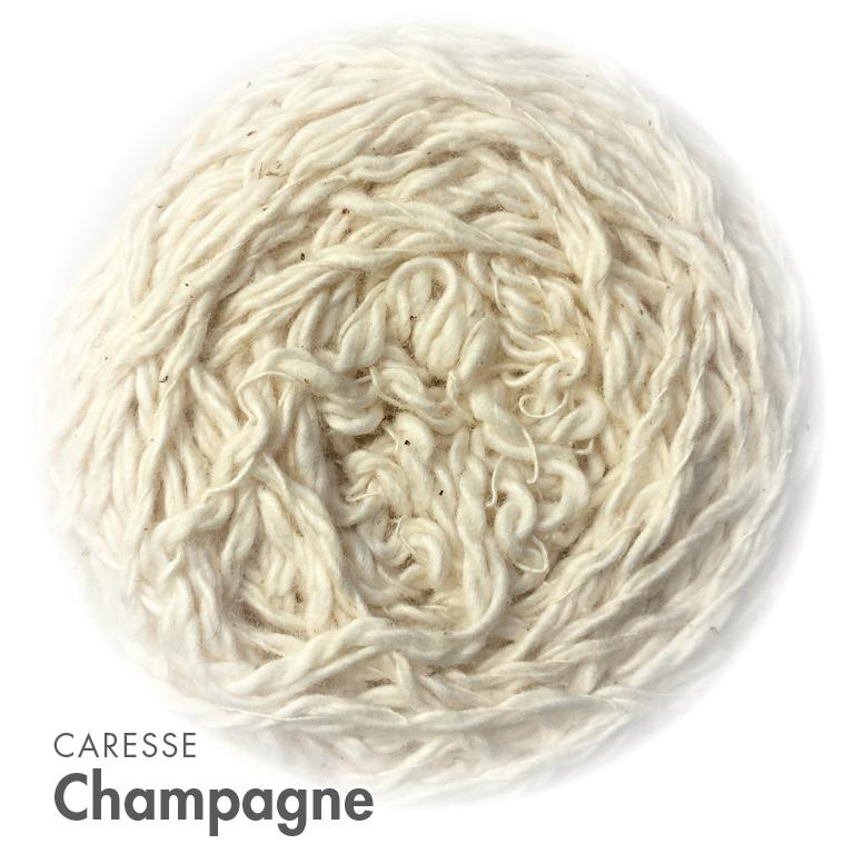 MOYA Caresse Champagne.jpg