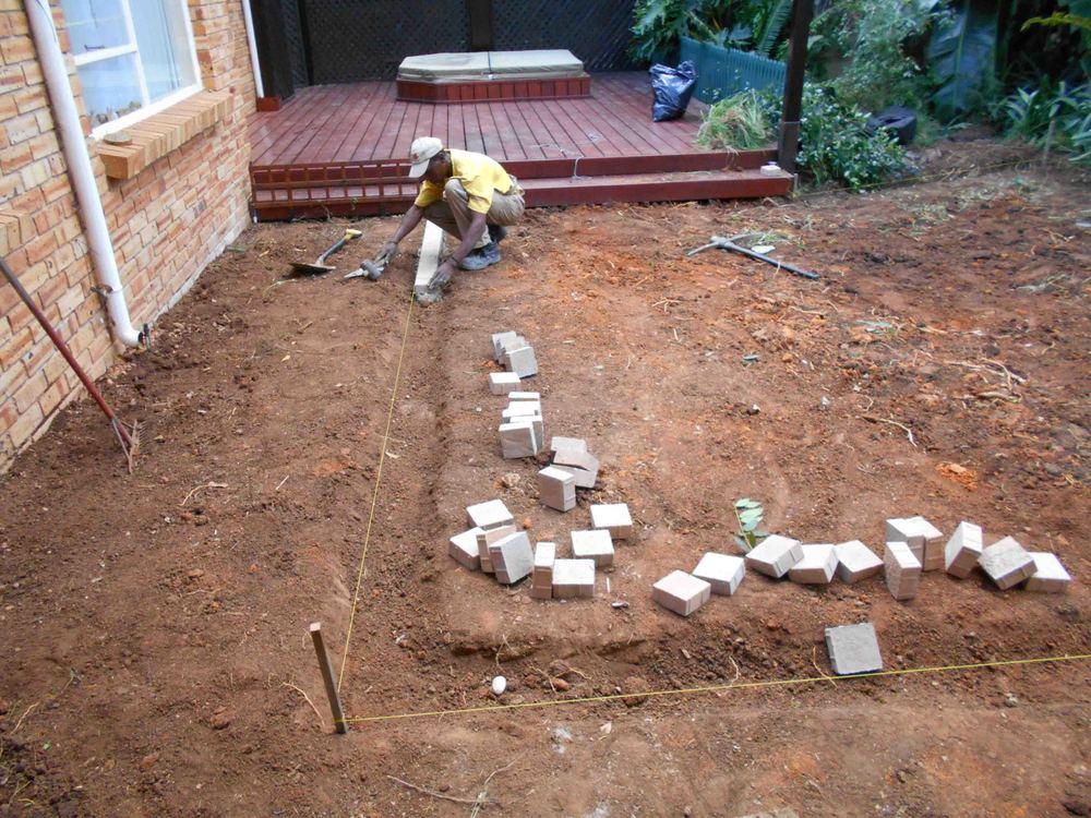 Installing Cobble Edging