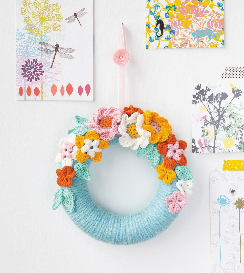 Blossom Wreath from Crochet Home by Emma Lamb.jpg