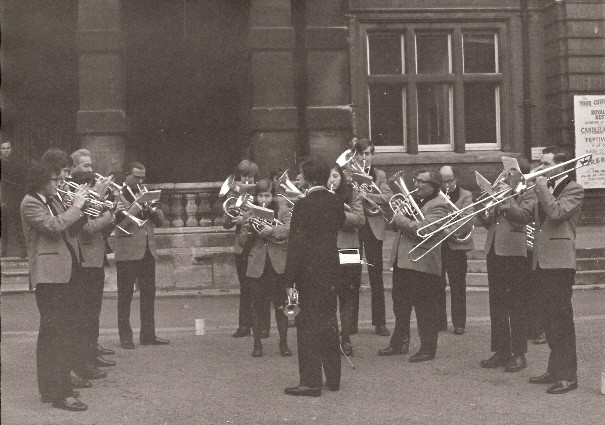1975 RLSSB Carol playin Leamington Town Hall.jpg