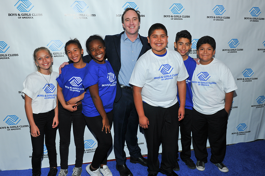 02 Jay Mohr with BGCA members_144e.png
