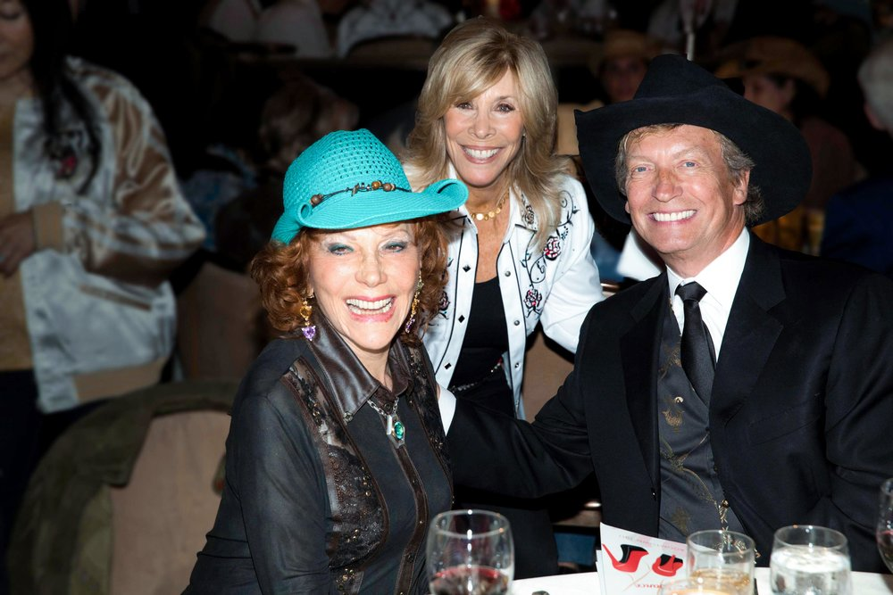 (L-R) Honoree Glorya Kaufman enjoys the show with Anita Mann Kohl and Nigel Lythgoe