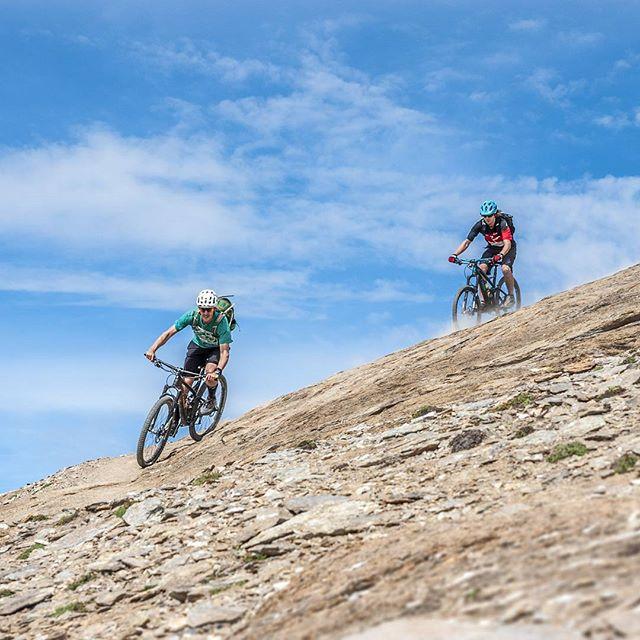 Who was on the trails this beautiful Sunday? Brrap brrap! 📸 Maximilian Von Götz #rideyourbike @trekbikes @rideshimano @ergonbike @fiveten_official @vaude . . . . . . #mtbswitzerland #mtbzermatt #bikezermatt #bikeswitzerland #trekbikes #trekremedy #shimanoxt #trailbike #mtbguide #bikeschoolviews #rideyourbike #gornergrat #view #bestmountainbiking #matterhorn #alps #singletrail #ridewithguide #trekslash #oberrothorn #ridezermatt #bikezermatt #lifebehindbars