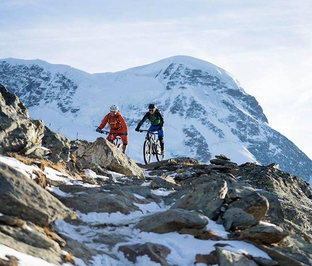 A little snow can't hurt. #stillriding #stillgonnasendit @trekbikes @ergonbike @shimanomtb @fiveten_official @pocsports . . . . . . . #mtbswitzerland #mtbzermatt #bikezermatt #bikeswitzerland #trekbikes #rideshimano #lifebehindbars #mtblove #mtblife #alps #inlovewithswitzerland #mtbpictureoftheday #mountaibike #mountainlove #gornergrat #switzerland #uplifting #zermatt #zermattlife #snowbiking #trails #enduromtb