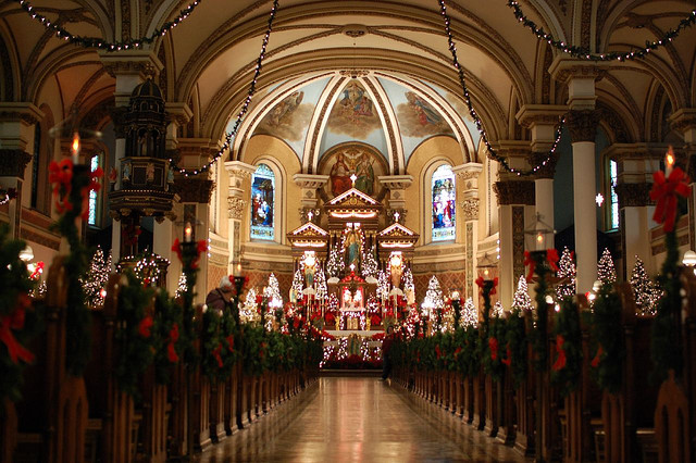 Immaculate Heart of Mary - Christmastime by Mark Knobil (2007) via Flickr, CC