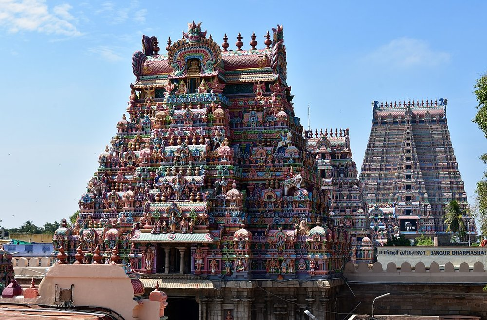 1200px-Sri_Ranganathaswamy_Temple,_dedicated_to_Vishnu,_in_Srirangam,_near_Tiruchirappali_(24)_(37254366620).jpg