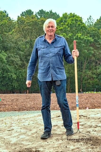 Piet Oudolf working in the Delaware Botanic Gardens meadow Photo by ray bojarski