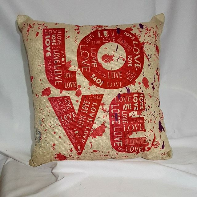 Excited to share the latest addition to my #etsy shop: LOVE #valentineday #decorativepillows #COAC2018P10 #BBB18 #Asensio #CasadosAPrimera2 #MasterChefIt #PeterCrouch #Church #pray #jerseycity http://etsy.me/2DnD6PQ