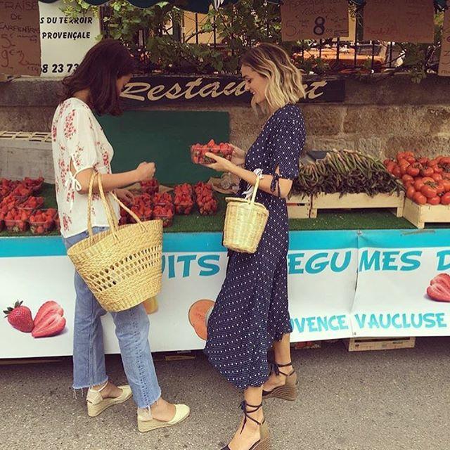 Sunday at the farmer market 🍒   #birkinbasket #bloomingdreamer