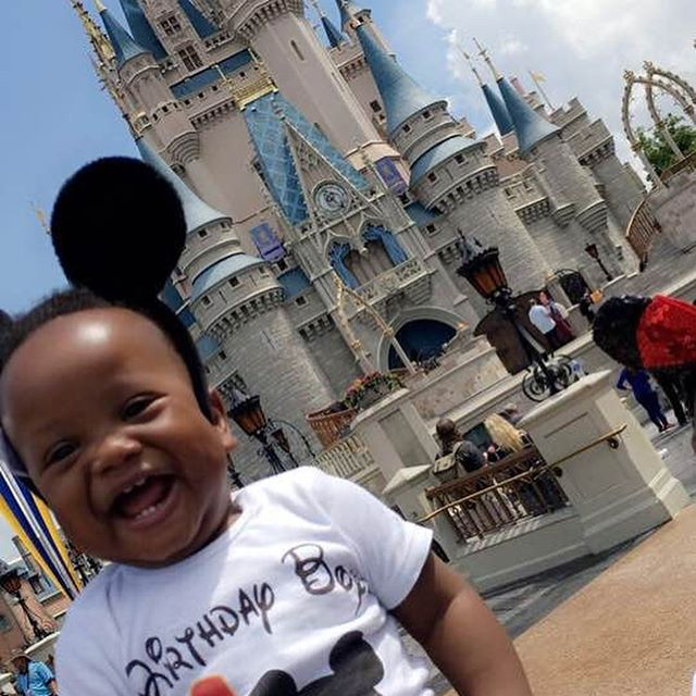 6.20.18 💙✨Zayn turned one! & we experienced the Magic of @waltdisneyworld for the first time!! Our first trip as a family via plane!! ✈️ . . . . . #familyvacation #blackfamilytravel #blackkidsdotravel #blackboyjoy #magickingdom #dmoc #disneykids #mybrotherskeeper #waltdisneyworld #firstbirthday