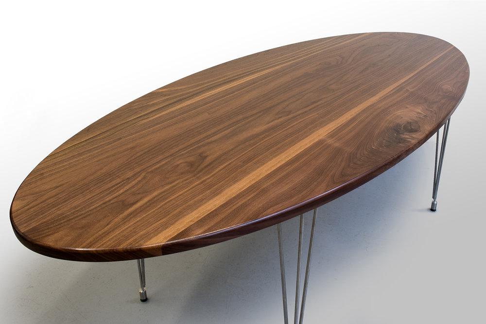 Walnut Dinning table Leftclose.jpg