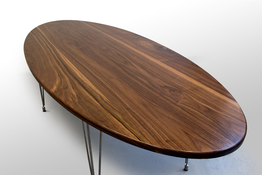 Walnut Dinning table rightclose.jpg