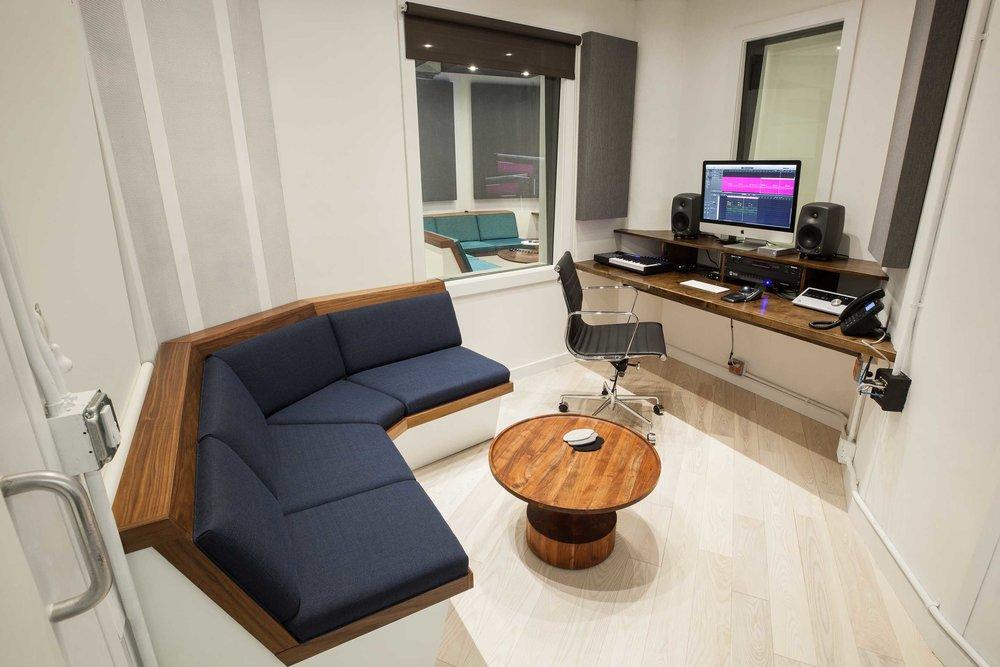 Duotone Studio 4
