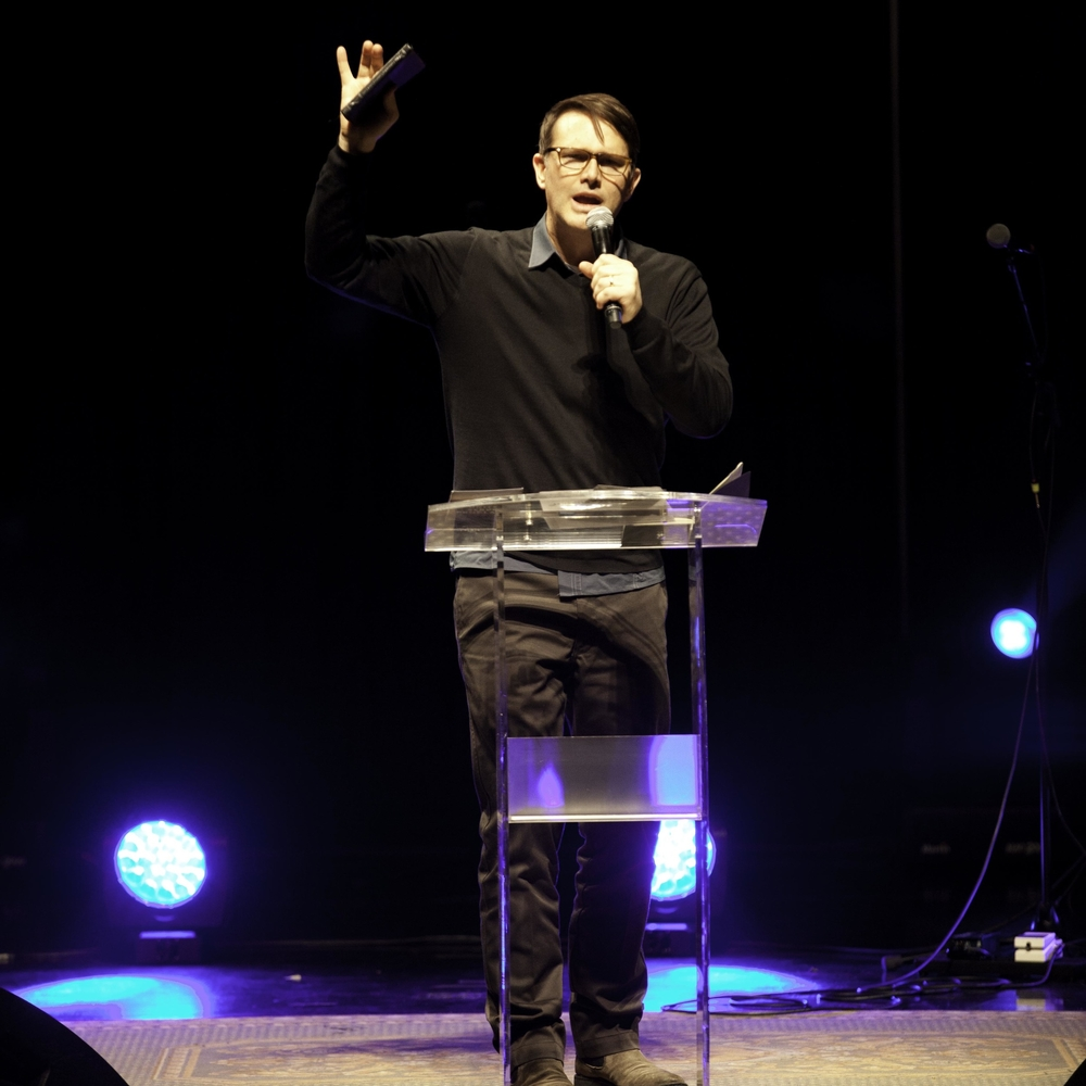 Andrew Palau shares the Word.