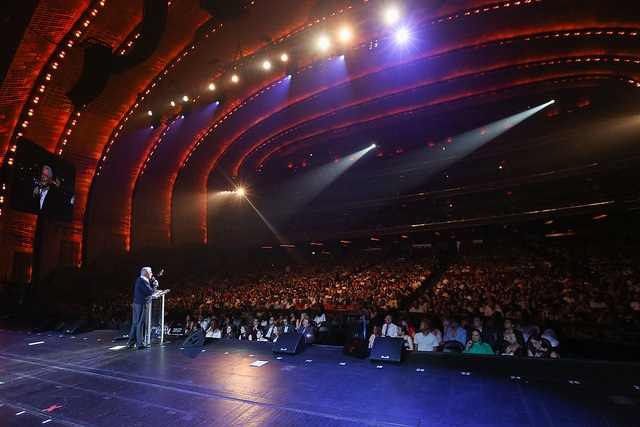 Luis Palau shares the Good News with hundreds of people at one of New York City's most iconic landmarks, Radio City Music Hall.