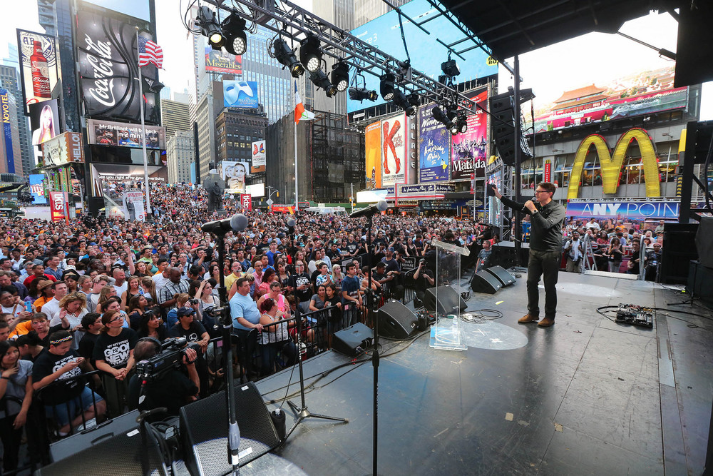 Andrew Palau shares the Good News with the crowd in Times Square.
