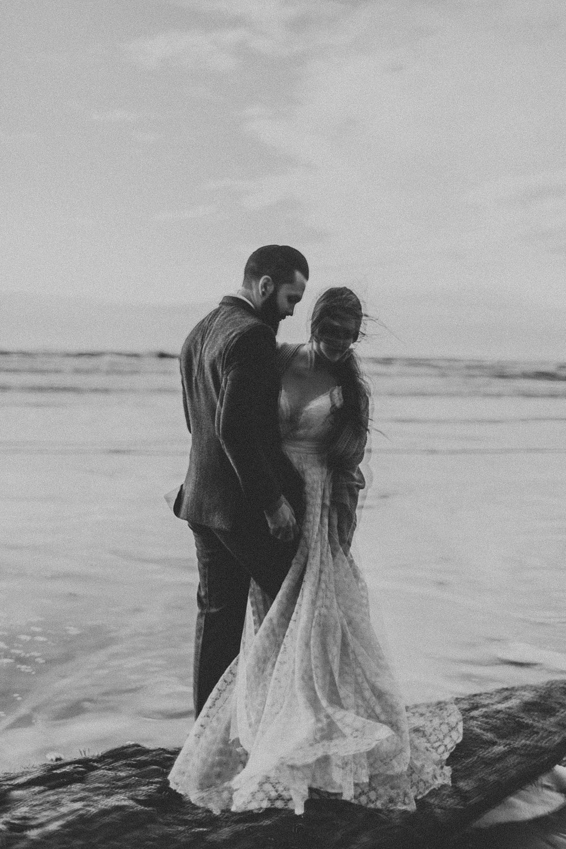 Cannon Beach Oregon Elopement Photographer