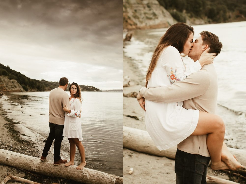 seattle engagement session at discovery park -14.jpg