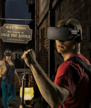 jack_the_ripper_vr_haunted_house_santa_clarita_guests_with_lanterns.jpg