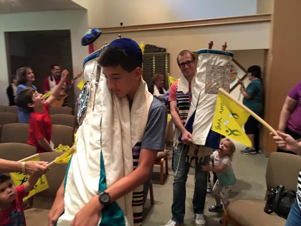 simchat torah with avi.jpg