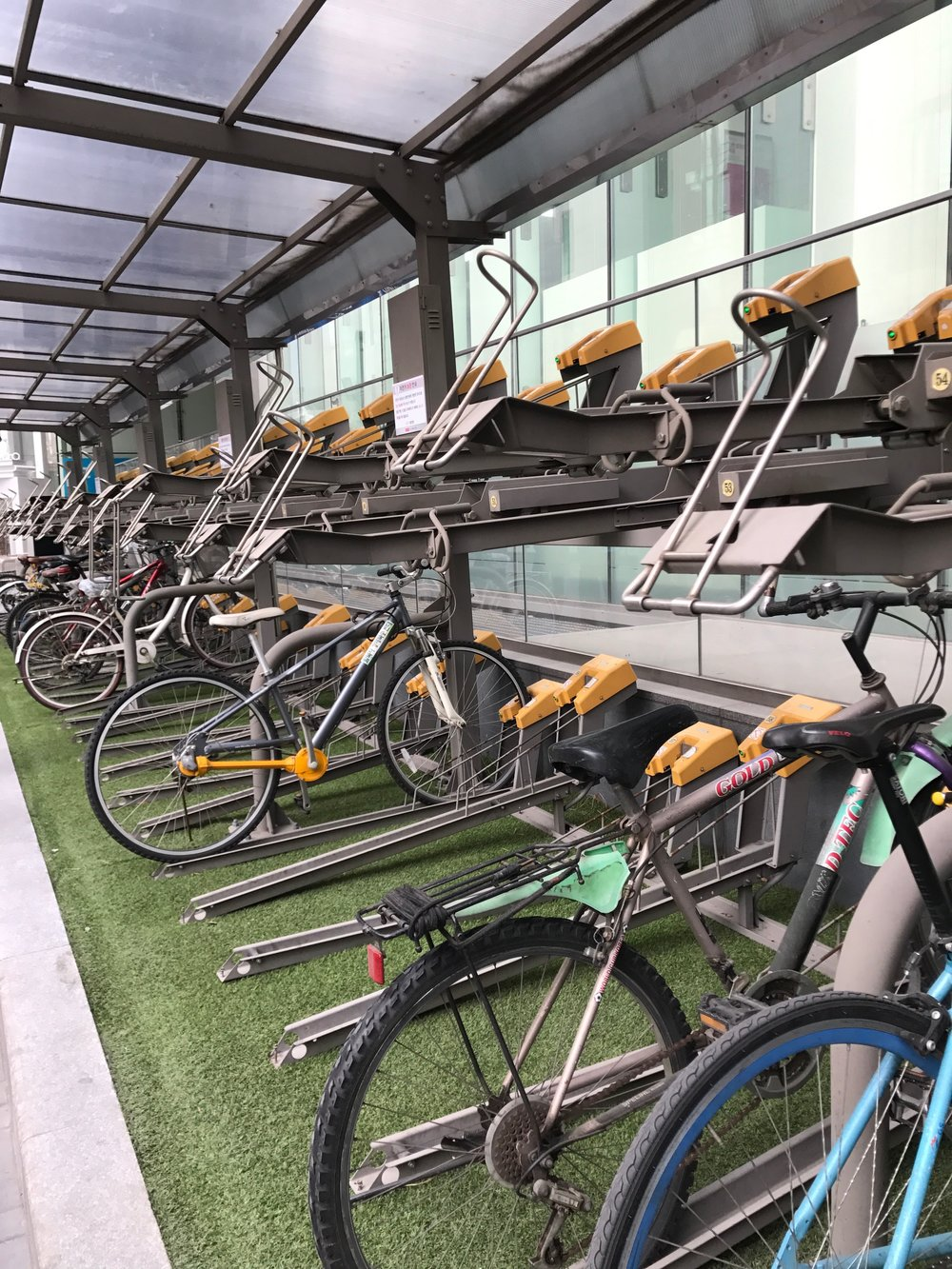 Bicycle racks in Seoul, Korea. // Source: Deland Chan