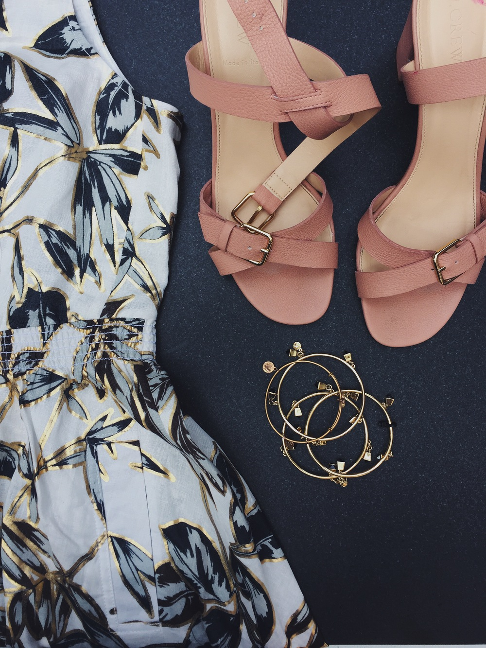 Jcrew Linen Zip Front Dress Gold Foil Leaf Jcrew Buckle Mid Heel Jcrew Factory Chain Link Bracelet Stilla all day Liquid Lipstick That Hayet Rida Plus SIze Blogger 2.jpeg