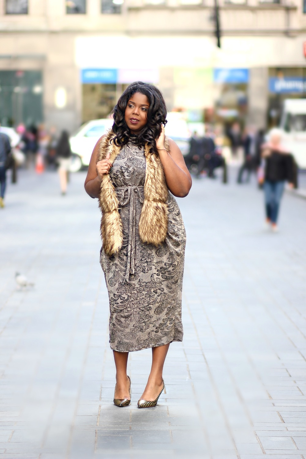 That Hayet Rida Rue107 RueBabe Holiday lookbook Plus Size Blogger Confidence 3.jpeg