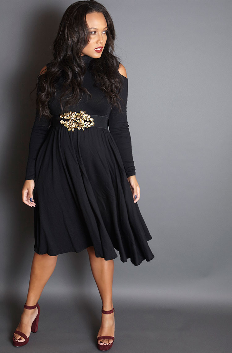 miss-america-skater-could-shoulder-dress-grisel-holiday-2015-collection_70680c48-2297-4b30-a6db-d5b2ef4afddf.jpg