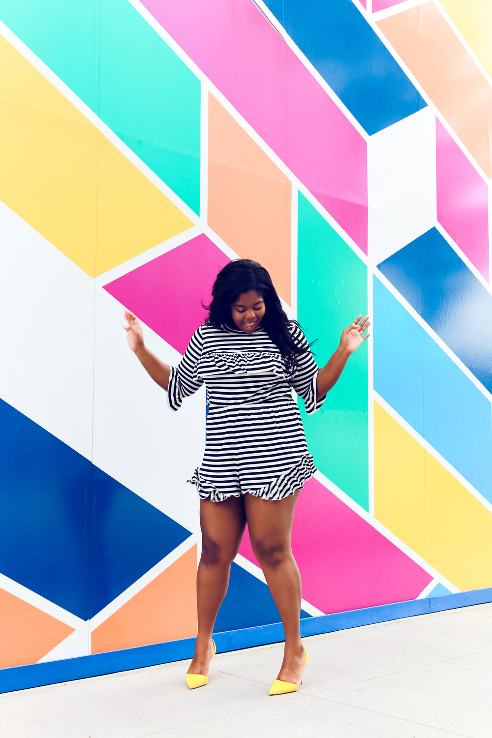 That Hayet Rida Chicago Walls Striped Set Asos Curve top in stripe with ruffle drill shorts plus size blogger 1.JPG