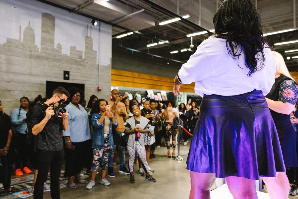 Hayet Rida Chicago Nike Plus Size Line Event Fashion Lifestyle Blogger Nike Air Society Vapor Max 41.jpg