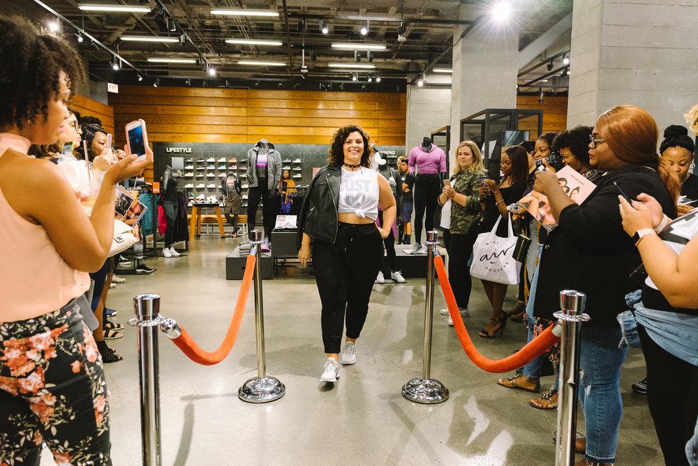 Hayet Rida Chicago Nike Plus Size Line Event Fashion Lifestyle Blogger Nike Air Society Vapor Max 47.jpg