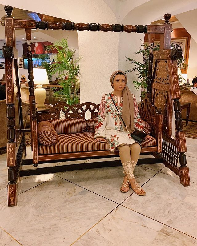 I know I should be patient and wait to post another pic of me but I'm obsessed with this chair I saw one just like it in my fave Pakistani drama pls buy it for me