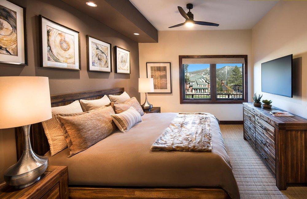 Master bedroom 221.jpg