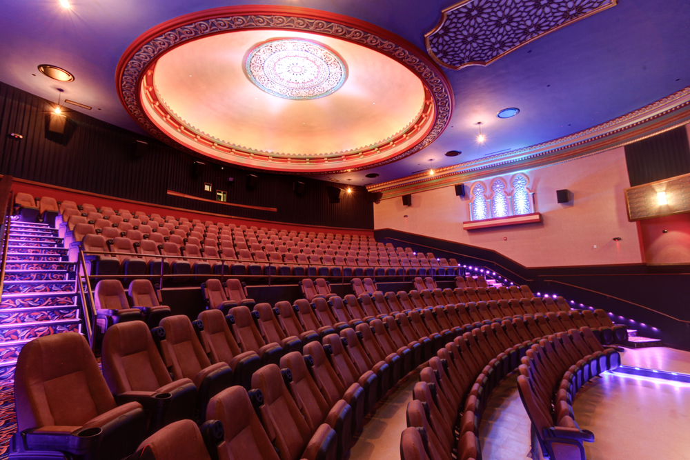 woodstock-illinois-il-woodstock-theatre-historic-charm