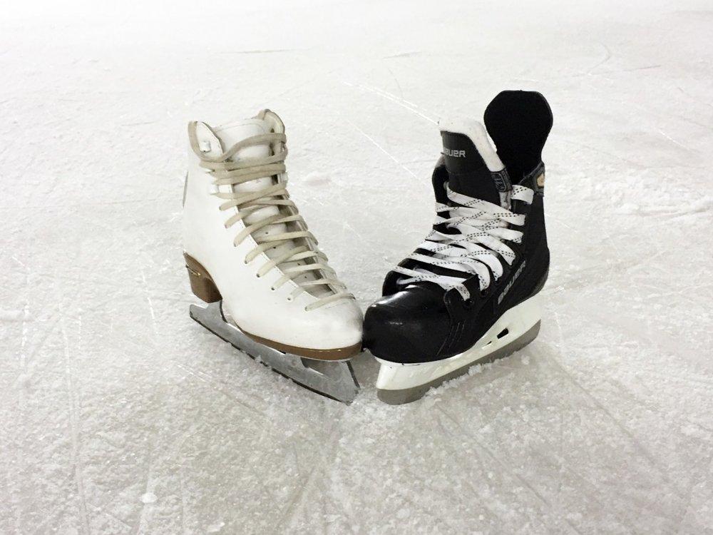 ice_skating_romance_figure_skate_hockey_skate_ice_ice_rink_ice_arena_learn_to_skate-651124.jpg!d.jpeg