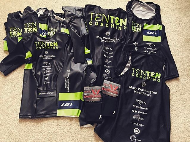 Looking fly this year thanks to @tentencoaching I'm so grateful to be a part of this AMAZING team!! It's a perfect 10.0 👌🏼