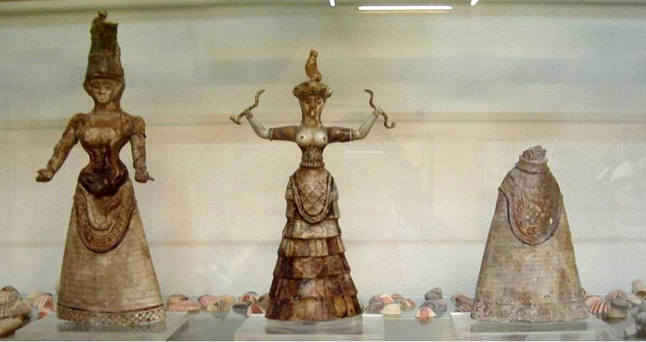 Minoan Snake Goddess figurines c 1600 BCE. Heraklion Archaeological Museum
