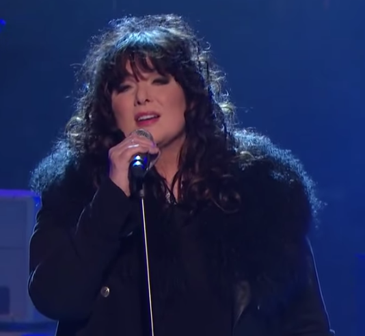 Ann Wilson doing Stairway to Heaven