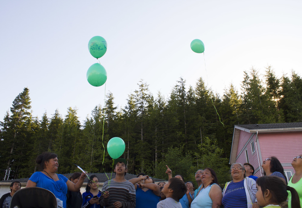The family of Cindy Scow, a mother of seven murdered on the Tsulquate reserve in 2012, holds a memorial birthday party for her on June 7, 2015. The same week as this party, Scow's murderer appealed his seven-year manslaughter sentence.  © North Island Gazette.