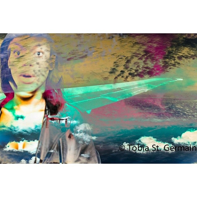 T-8  @lexda5_9   #flight #plane #airline #delta #girl #high #sky #airplane #tobiaeffect #popart #surprise