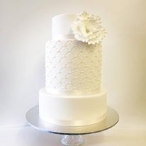 Vanilla pod Fondnat wedding cake.jpg